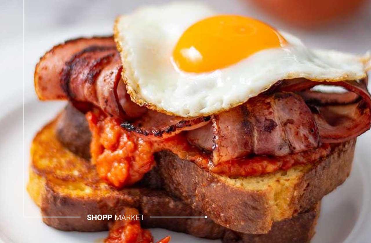 ساندویچ بیکن و تخم مرغ